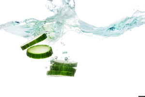 http://www.huffingtonpost.ca/2013/06/17/cucumber-water_n_3415738.html